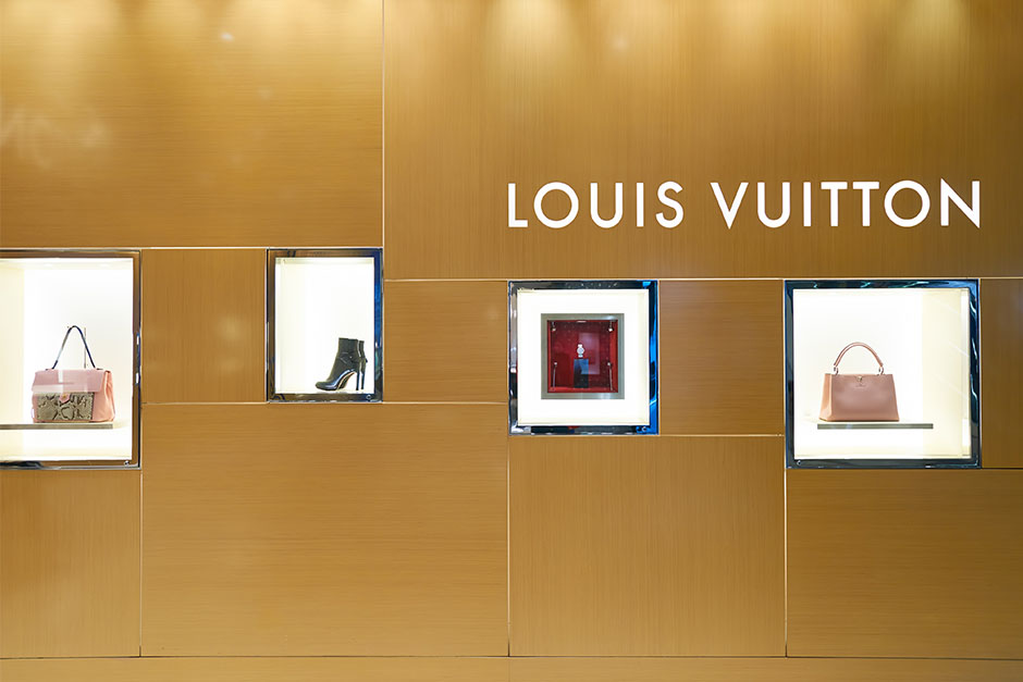 Louis-Vuitton-store-2.jpg