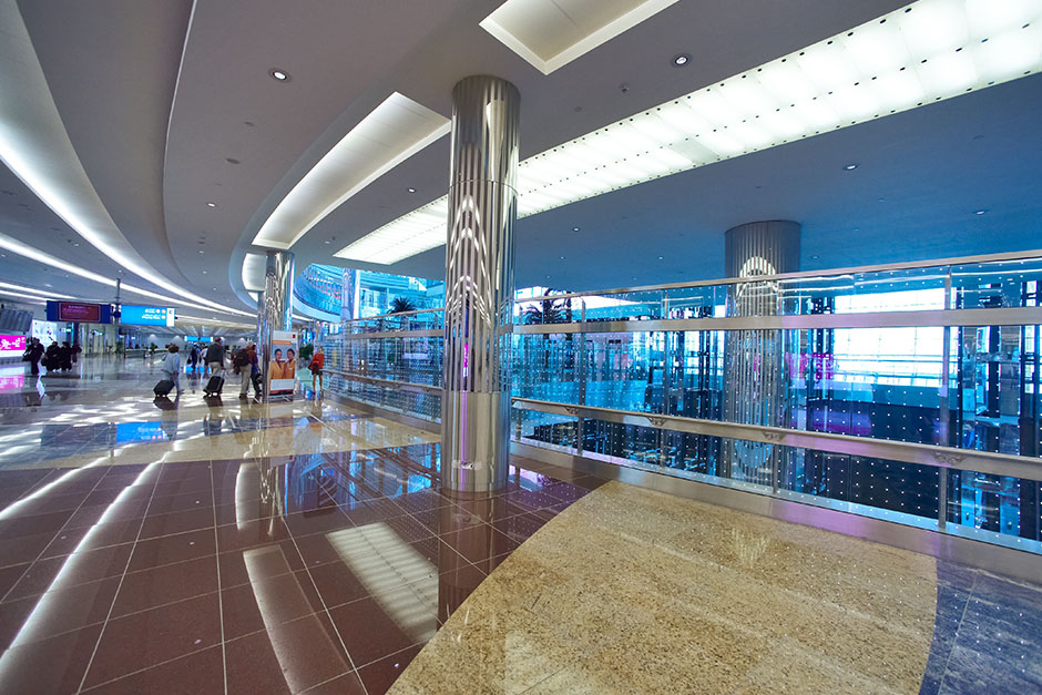 Stainless-steel-column-Dubai-international-airport.jpg