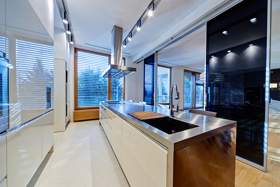 Stainless-steel-kitchen-2.jpg